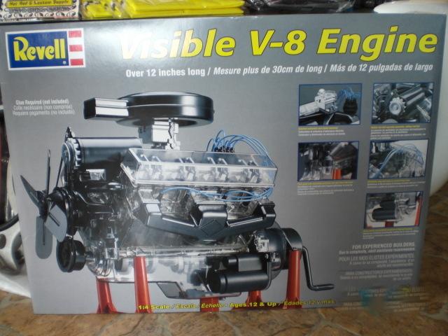 02 Visible V-8 エンジン プラモデル